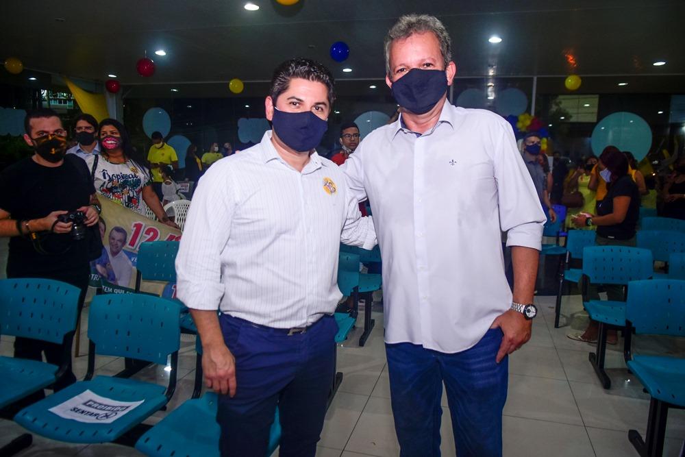 Pompeu Vasconcelos E André Figueiredo