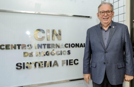Ricardo Cavalcante recebe homenagem da CMFor por sua contribuição aos representantes comerciais de Fortaleza