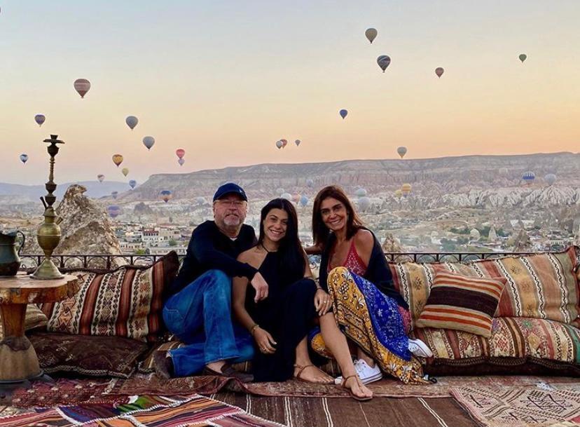 Rebecca, Beatriz e Cândido Albuquerque desvendam os encantos da Turquia