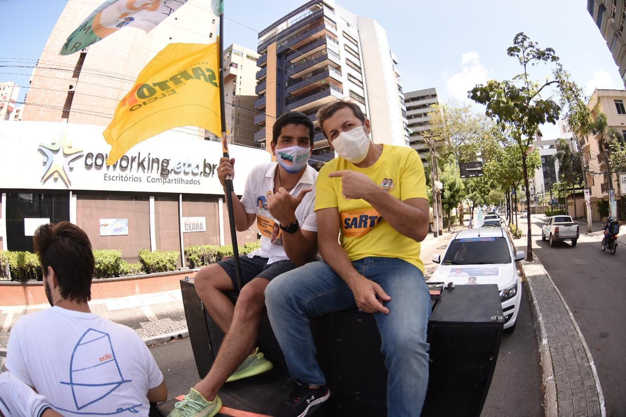 Élcio Batista reforça apoio a Pedro França durante carreata em Fortaleza
