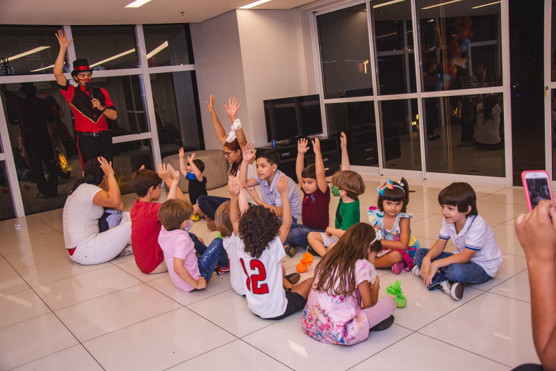 Rá-Tim-Bum - Pompeuzinho Vasconcelos completa 5 anos e ganha festa inspirada nos carrinhos Hot Wheels
