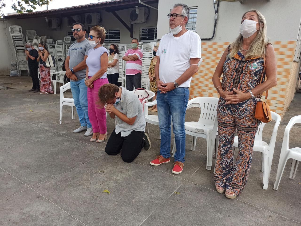 Cláudio Nelson celebra a nova idade com benção na Igreja do Hospital Militar de Fortaleza