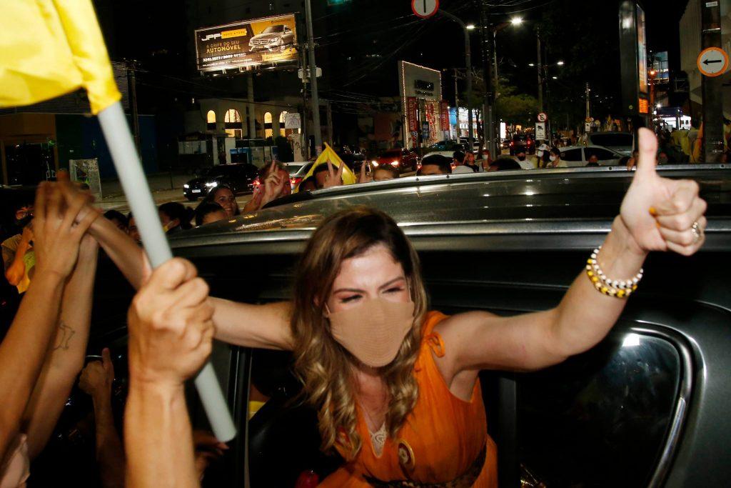 Carol Bezerra 2