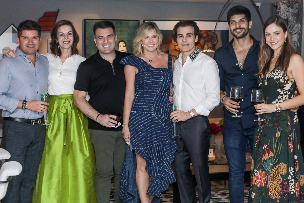 Charme e requinte dão o tom da festa no chic endereço de Rodrigo Maia