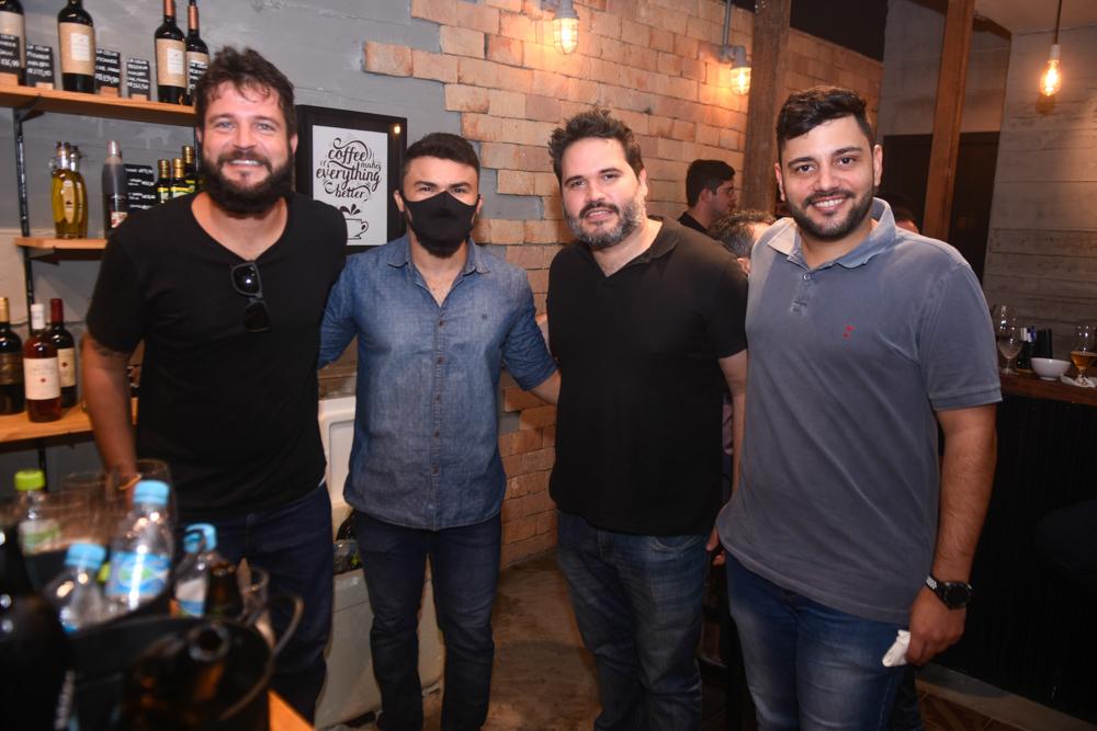 Fernando Oliva, Felipe Costa, Daniel Silva E Leonardo Dutra