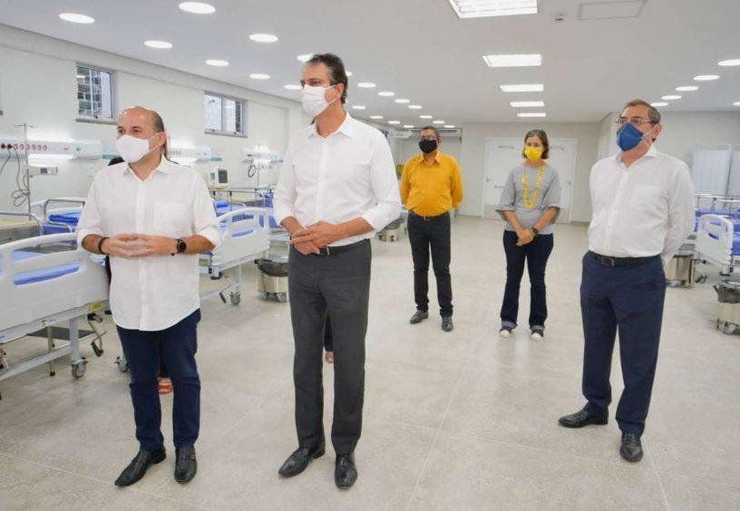 Roberto Cláudio e Camilo entregam o Frotinha da Parangaba e anunciam que logo iniciam o Hospital Universitário