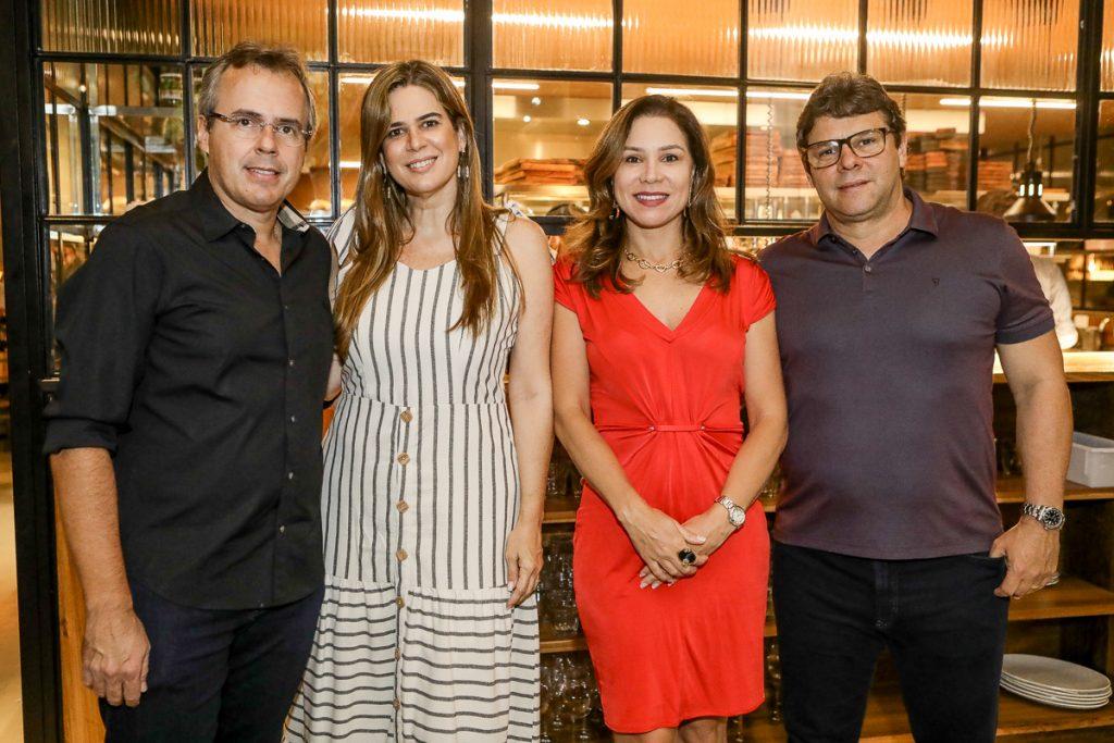 Gerson Cecchini, Mirela De Castro, Ingrid E Sacha Juca (2)