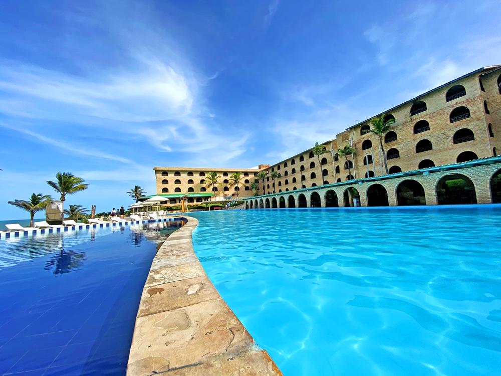 Em sistema de soft opening, Coliseum Beach Resort reabre nesta quinta-feira (19)