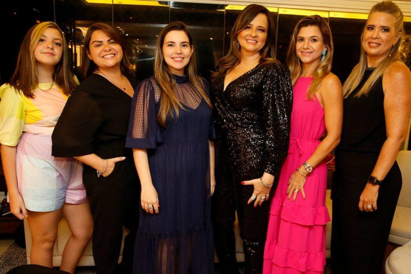 Special Night - Bruno Queiroz e Juliana Bastos armam jantar em torno do Capitão de Fragata José Roberto Moura