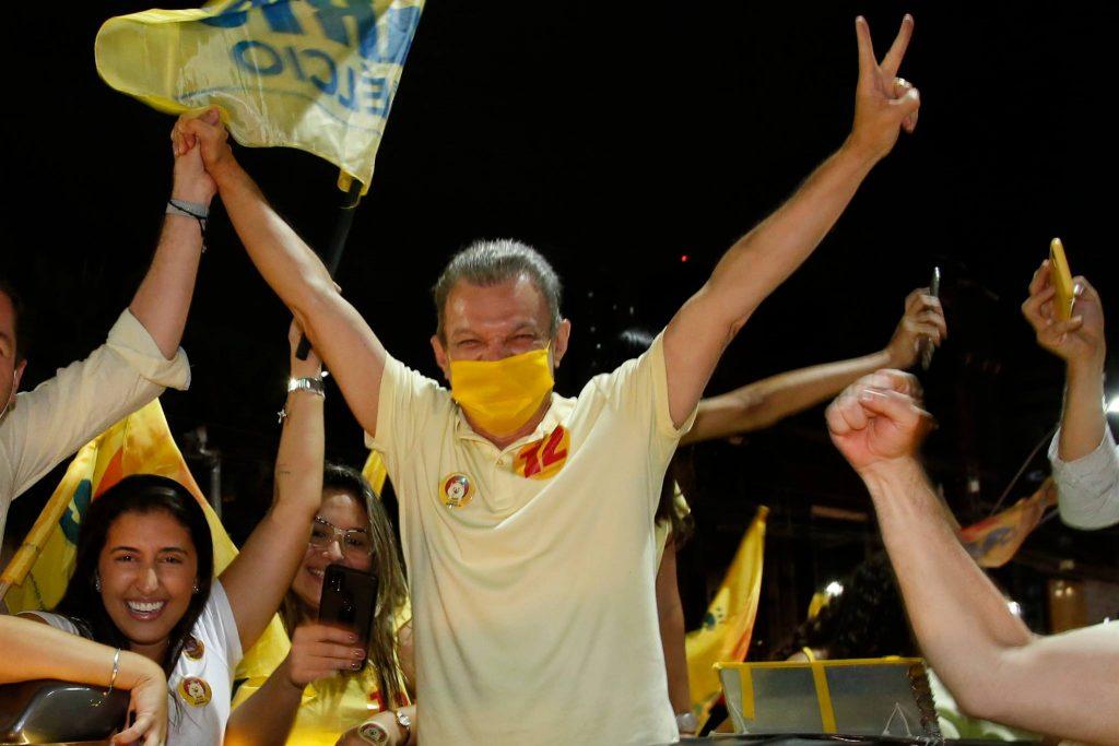 Eleito Prefeito de Fortaleza, Sarto sai às ruas para celebrar sua vitória nas urnas