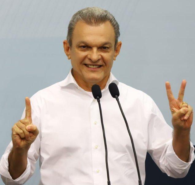 José Sarto afirma representar a união e tolerância em debate na TV Jangadeiro