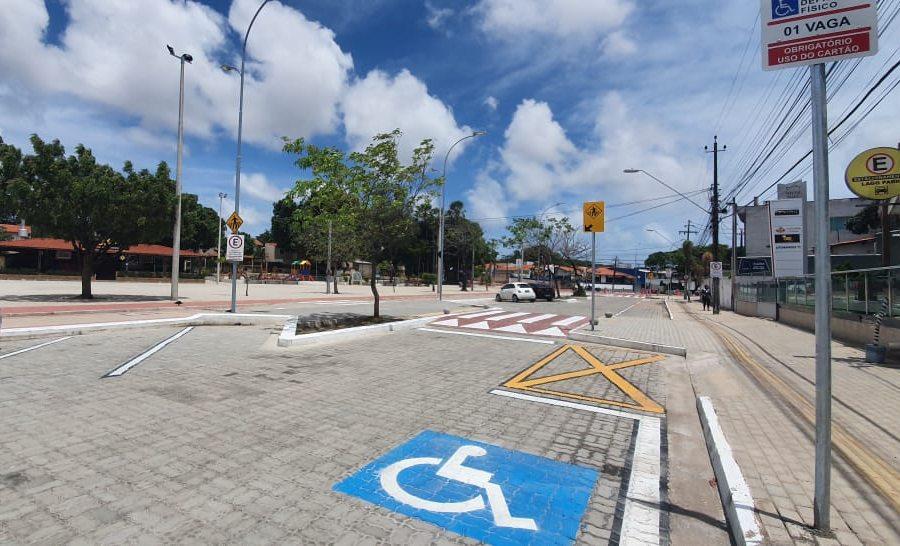 Roberto Cláudio entrega nova praça e revitalização completa do Lago Jacarey