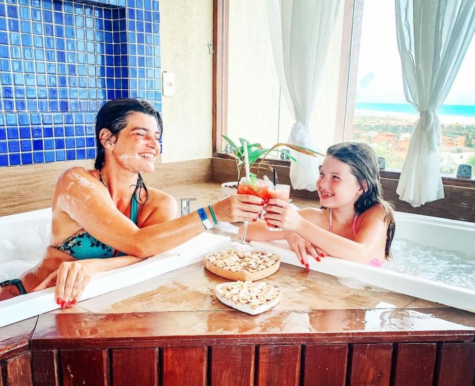 Livia Saboya celebra a nova idade em spa com a filha, Maria Clara