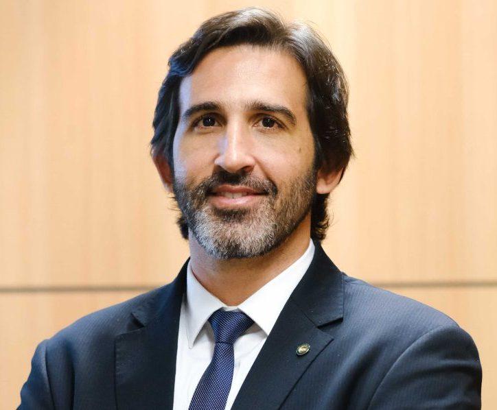 Lucas Fiuza é o primeiro cearense a assumir o Ministério do Turismo