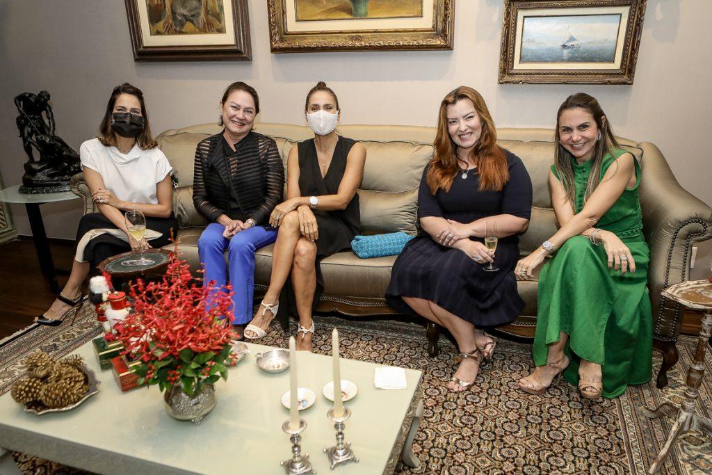 Marilia Queiroz, Paula Frota, Manoela Bacelar, Aline Barroso E Adriana Queiroz