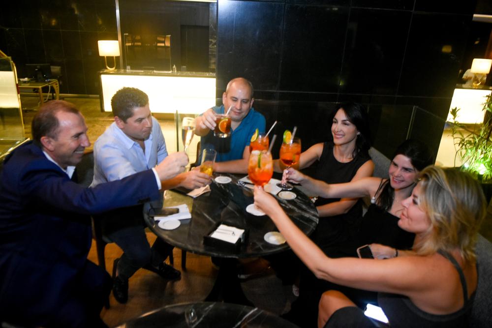Phillip Godefroit, Pompeu Vasconcelos, André Linheiro, Daniele Linheiro, Marília Vasconcelos E Patricia Dias (2)