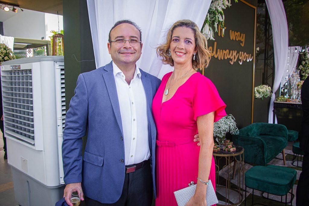 Rafael Sousa E Viviane Maia