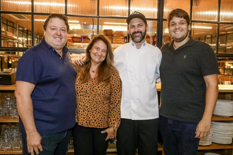 Templo das Carnes - Rodrigo, Ciro e Vitor Moreira inauguram o Carbone Steakhouse, no BS Design