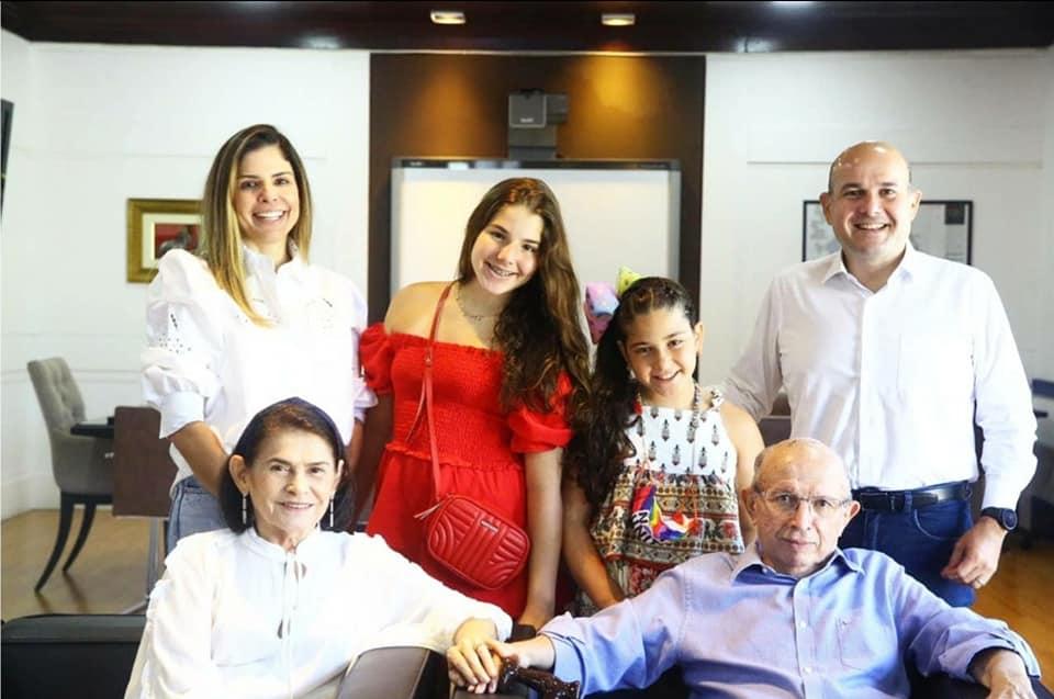 Prefeito Roberto Cláudio recebe visitas especiais no Paço Municipal