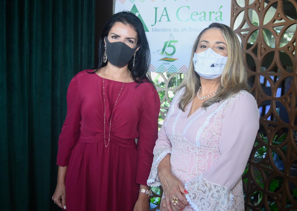 Aline Ferreira E Ana Lúcia Teixeira