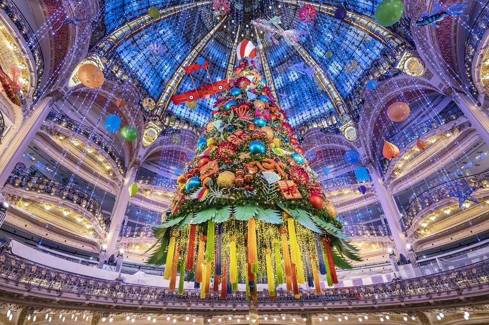 Galeries Lafayette Haussmann inaugura em Paris sua decoração natalina