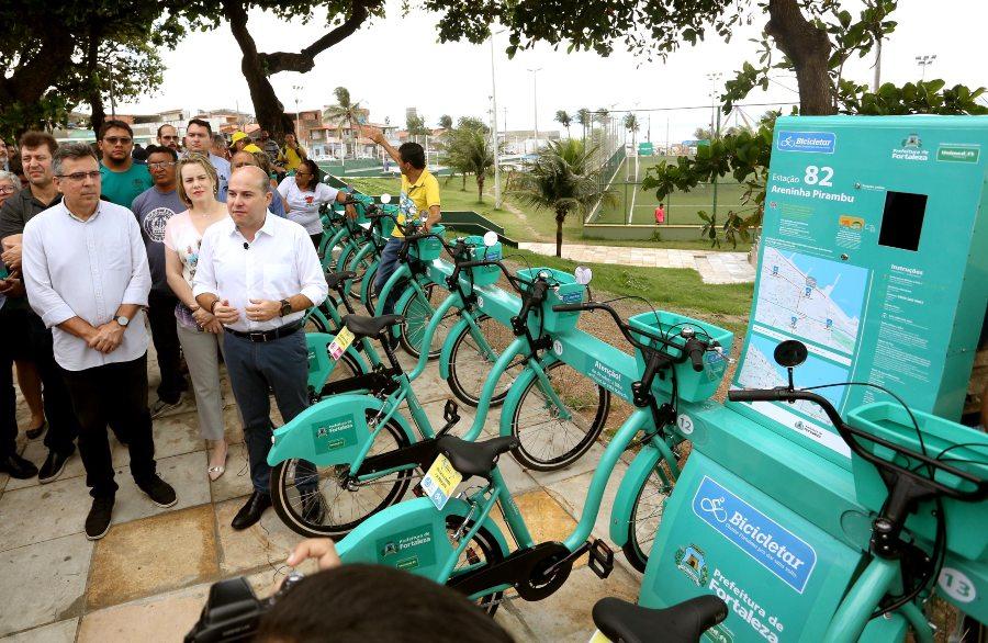 Roberto Cláudio inaugura mais quatro estações do Bicicletar e chega a 188 unidades na capital cearense