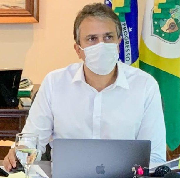 Camilo anuncia decreto especial que altera o horário do comércio e proíbe festas e aglomerações neste final de ano