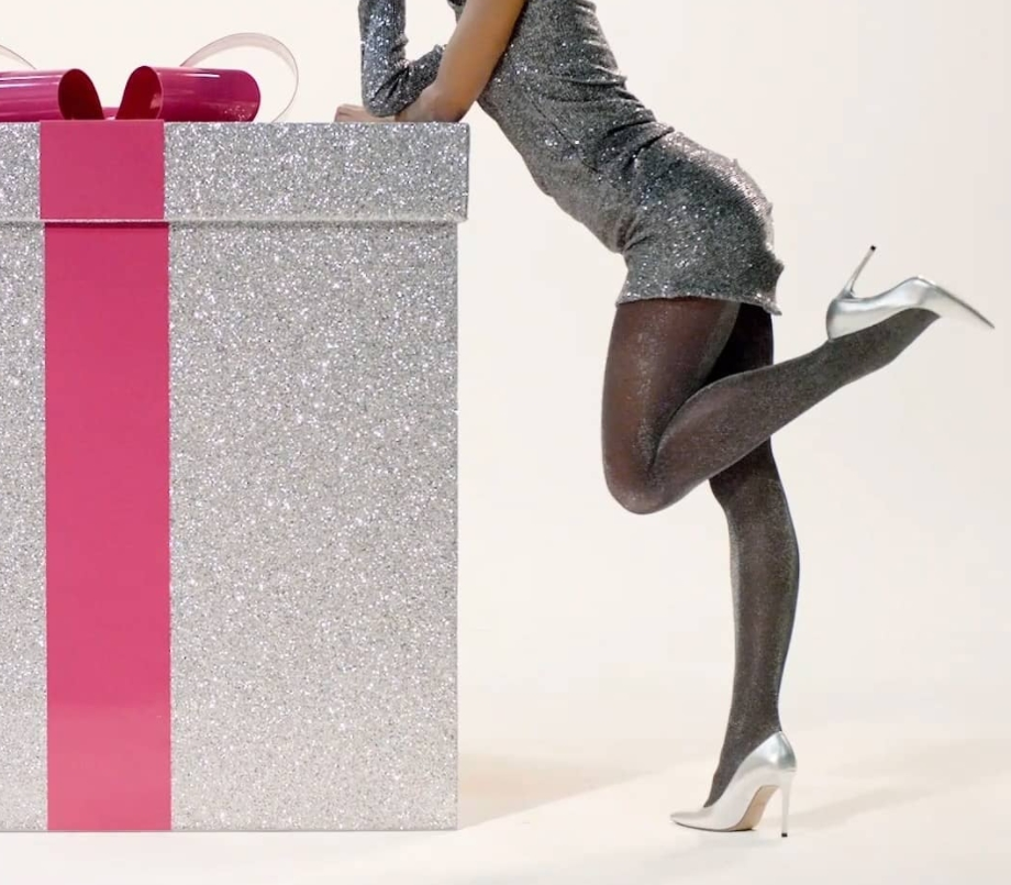 Calzedonia implanta sentimento natalino em sua linha de leggings e meias-calças