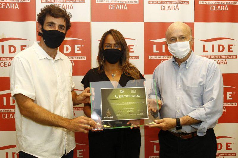 Ato solidário - Emília Buarque realiza a entrega de doações arrecadas durante o Natal do Bem do Lide Ceará