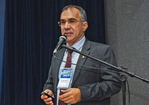 Eduardo Neves debate perspectivas para o desenvolvimento econômico do Ceará
