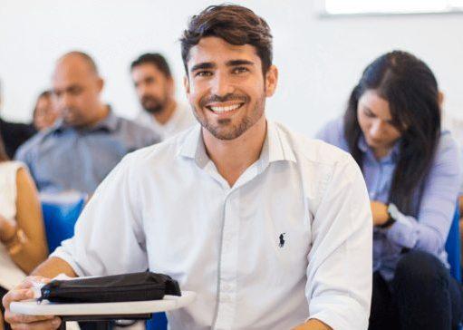 Faculdade CDL lembra que curso superior aumenta em até 182% a renda mensal