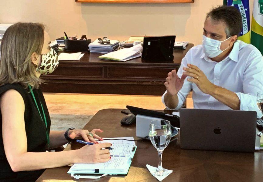 Camilo Santana autoriza o pagamento da segunda parcela do 13º para o dia 15 e fecha em R$ 2,45 bi injetados este mês