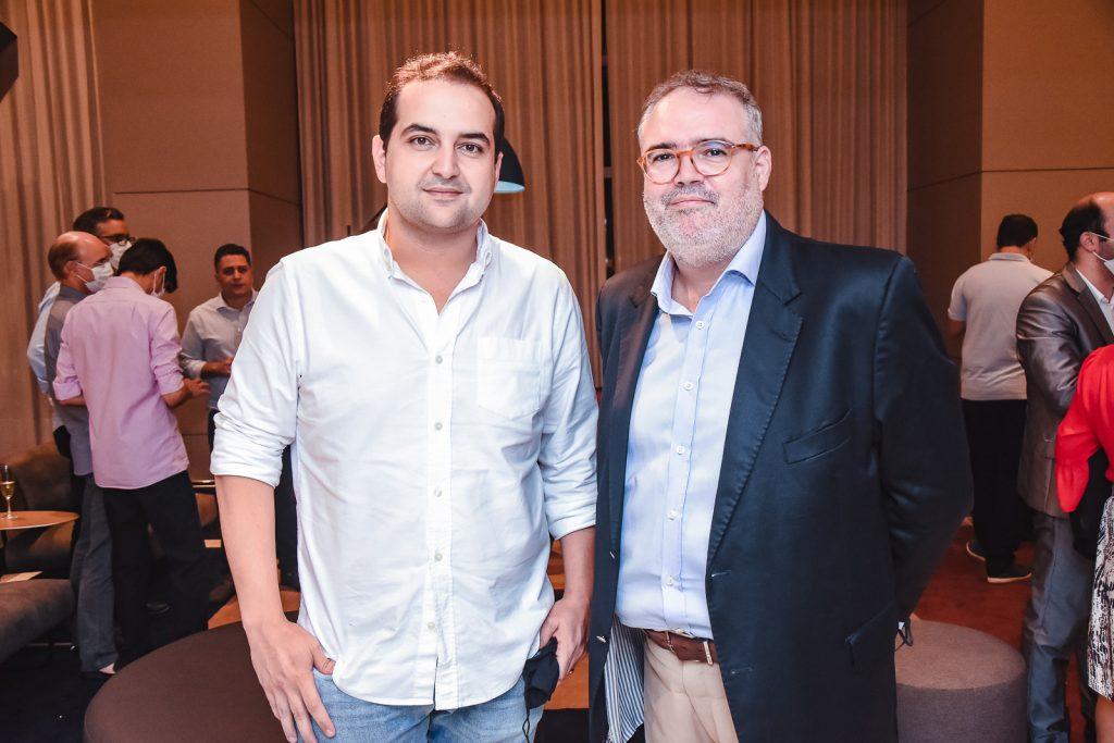 Leonardo Bastos E Lucas Martins