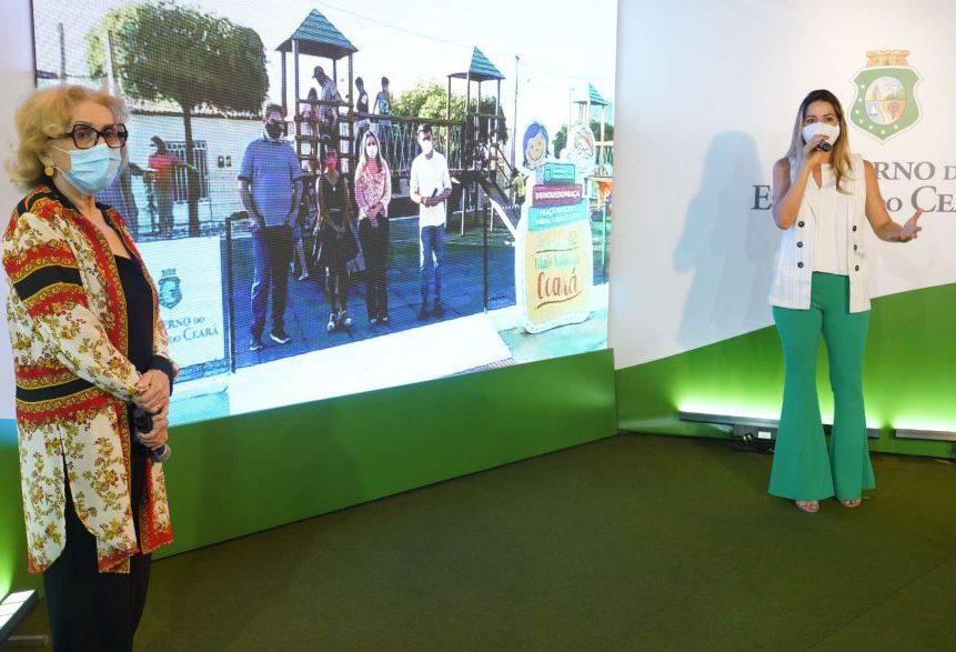 Onélia Santana entrega duas novas brinquedopraças no interior do Ceará