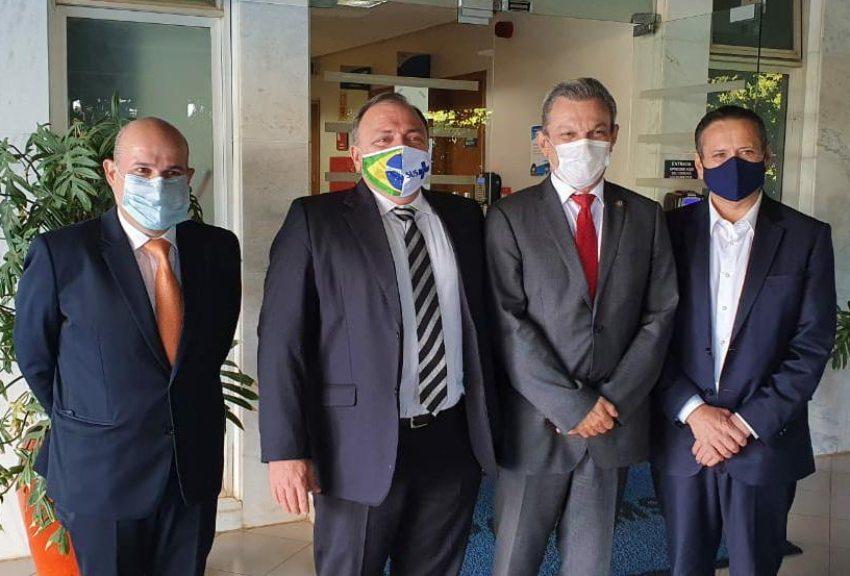 Roberto Cláudio e José Sarto reúnem-se com o ministro Eduardo Pazuello e com representantes de bancos internacionais