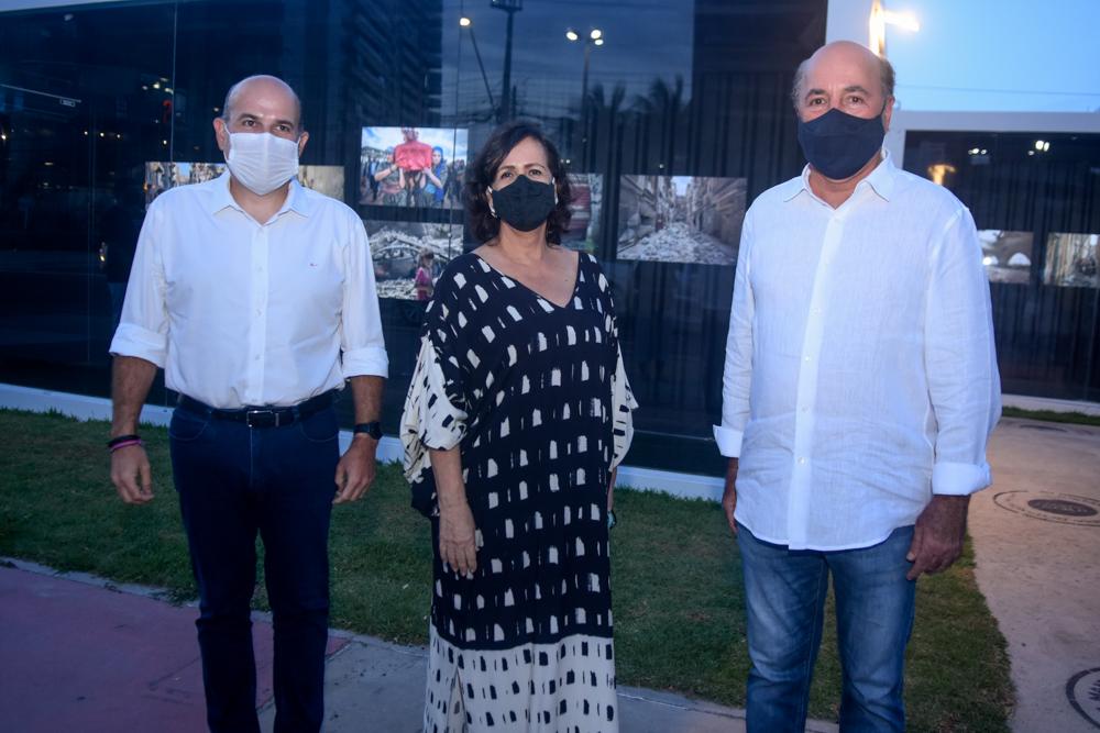 Silvio Frota e Neuma Figueiredo abrem exposição à ceu aberto na Beira Mar