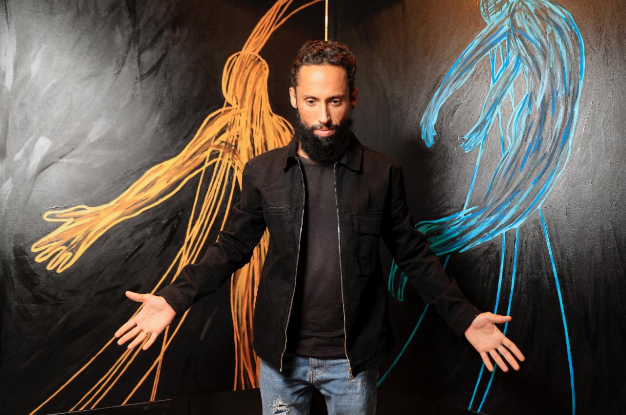 Juca Máximo alia sua técnica de criação artística à exploração dos sentidos humanos
