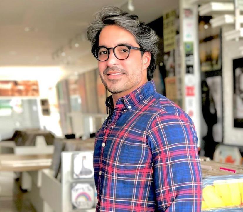 Rodrigo Porto chega aos 37 anos de bem com a vida e feliz com os astros