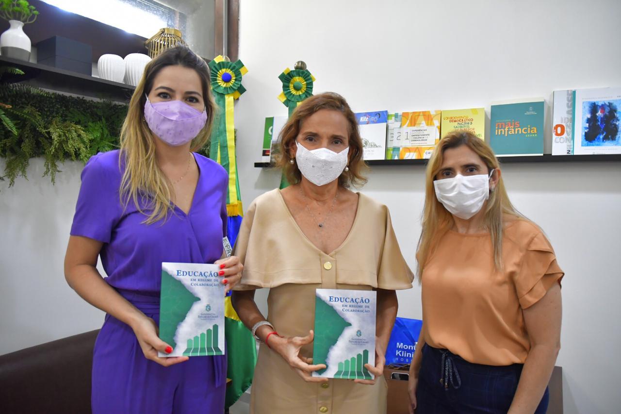 Com capítulo escrito por Onélia Santana, Governo do Ceará lança o livro sobre educação