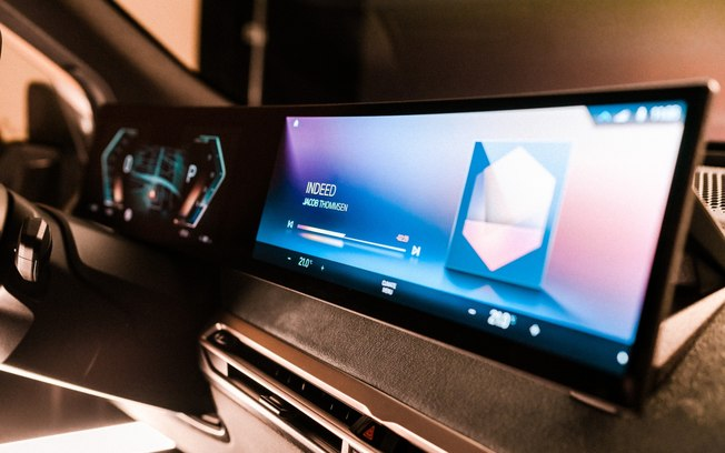 BMW exibe nova geração do sistema iDrive na CES 2021