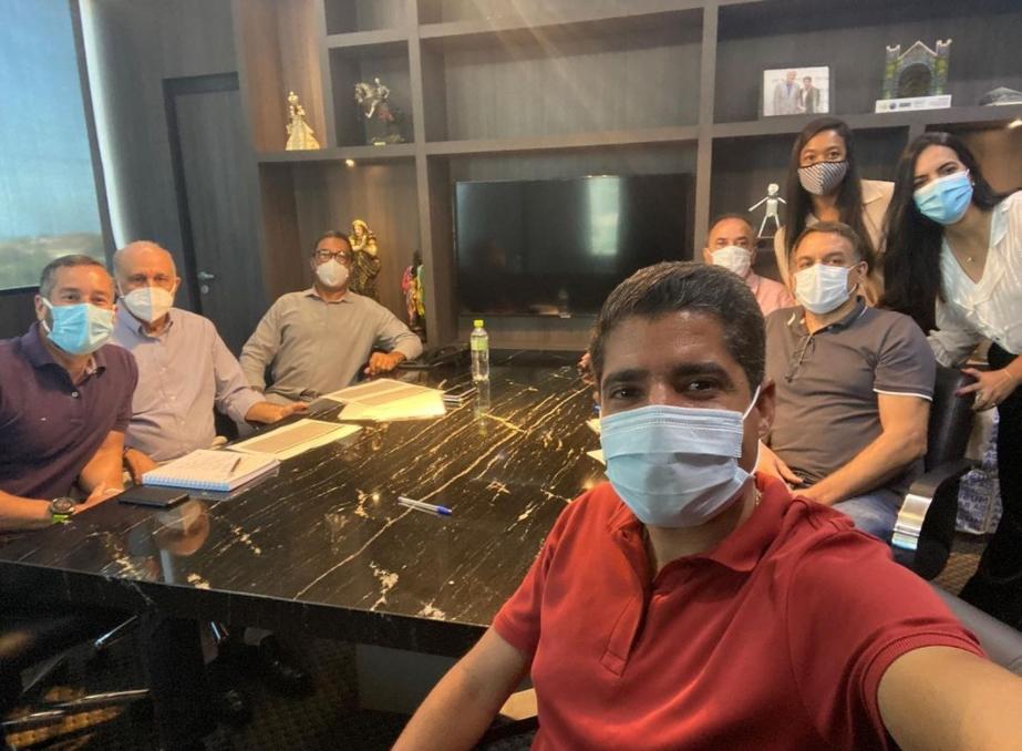 Ex-prefeito de Salvador, ACM Neto abre escritório político na capital baiana