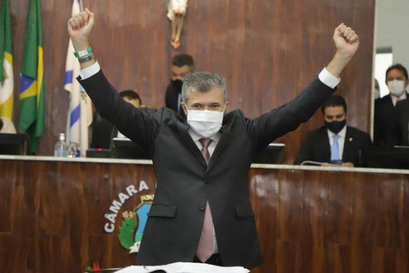 Na Câmara Municipal - Sarto toma posse como prefeito de Fortaleza e reafirma compromisso com redução de desigualdades