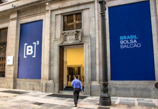 Ibovespa registra alta de 0,6% e encerra a sessão próximo dos 124.000 pontos