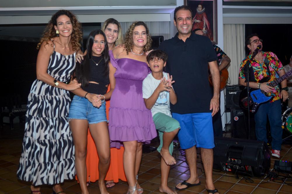 Carol Gurgel, Manuela Campos, Bia Pontes, Cybele, Fabinho E Fábio Campos