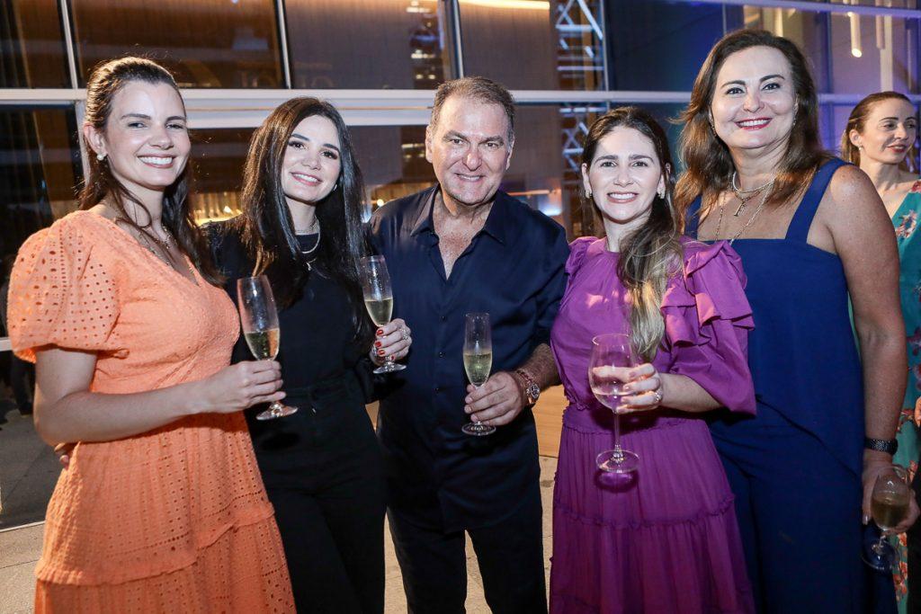 Carol Studart, Ruth Estite, Jorio E Natalia Da Escossia, Fatima Santana