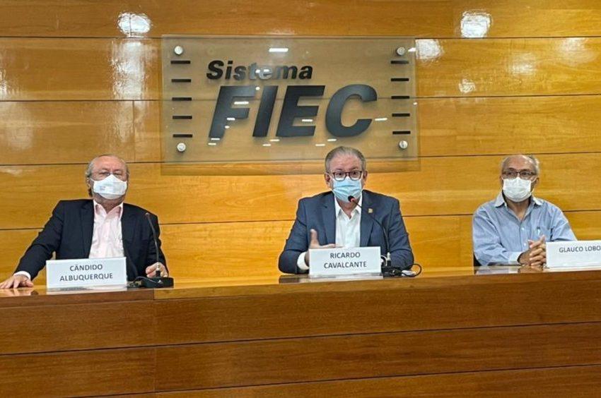 FIEC e UFC firmam parceria tecnológica e concluem doação de 500 Elmos para o Governo do Ceará combater a pandemia