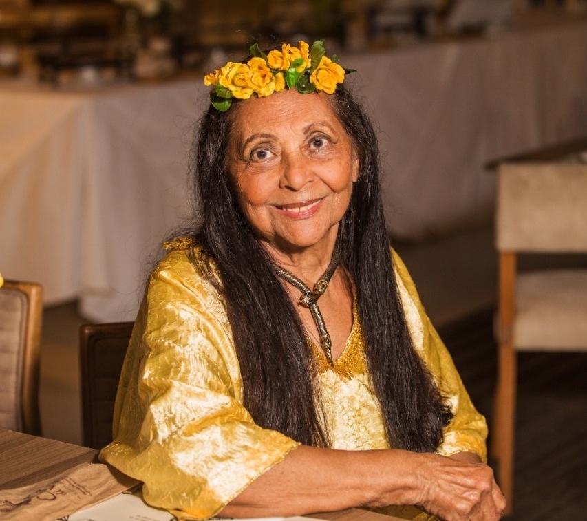 Gessy Gesse completa 82 anos e celebra a data com jantar no Casa di Vina, em Salvador