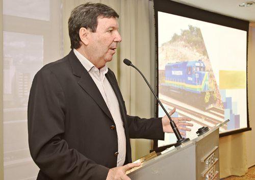 Heitor Studart debate lei de licitações, transporte de cargas e abertura total do mercado de energia elétrica no Brasil