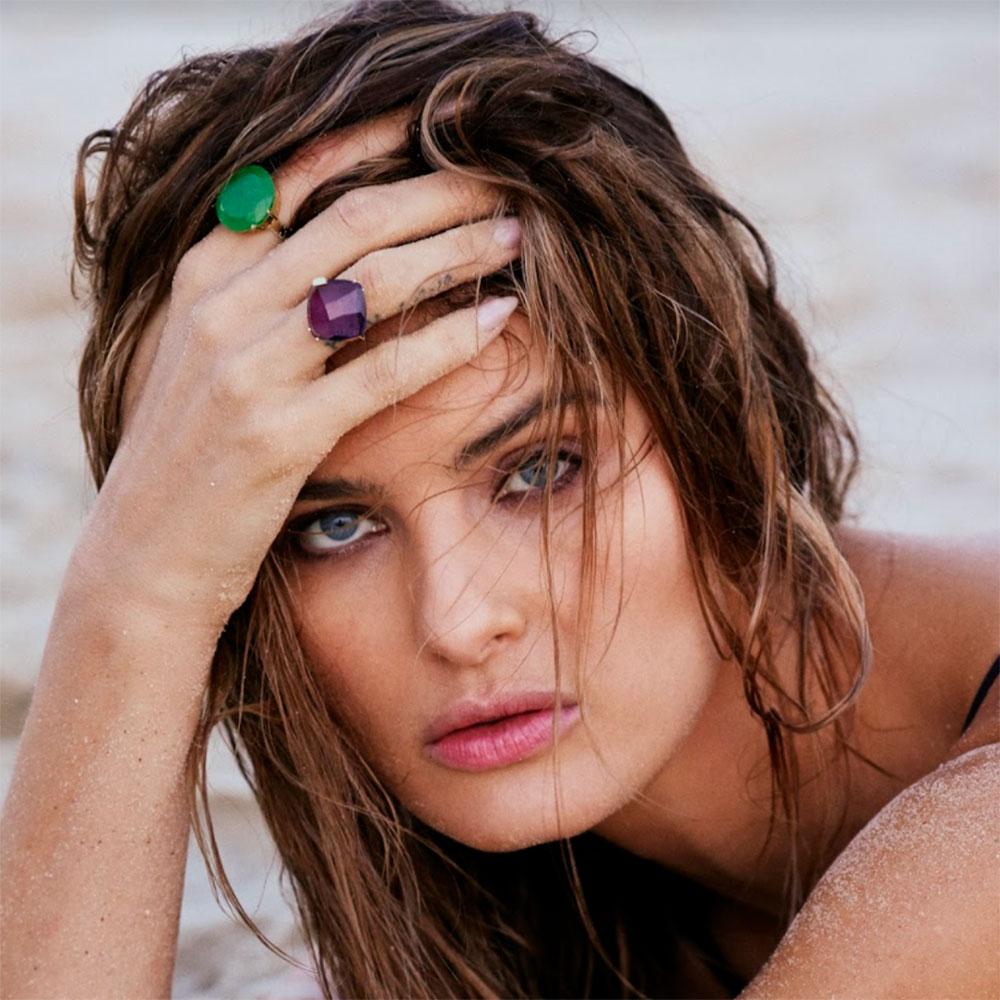 Isabeli Fontana lança coleção de jóias inspirada em seu lifestyle