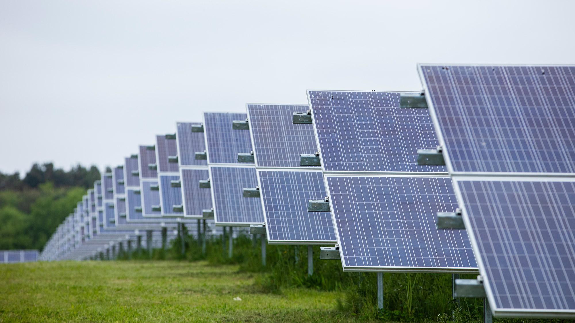 Companhia britânica vai investir R$ 1,4 bilhão em parques solares no Ceará